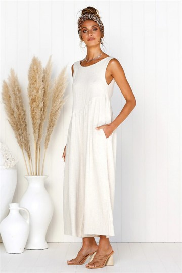 Solid color backless sleeveless pleated jumpsuit-White